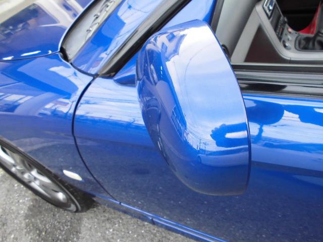 グレード展開はターボがスペックR、NAがスペックSのネーミング。それぞれにエアロパーツ装着車とブルーのインテリアが特徴のbパッケージ、ラグジュアリ指向のLパッケージを用意。