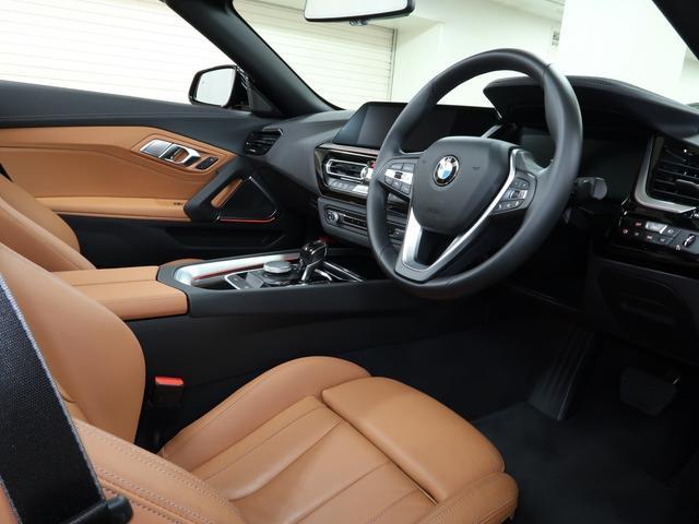 sDrive20i スポーツ BMW認定中古車 2年保証 茶革 18インチAW(3枚目)
