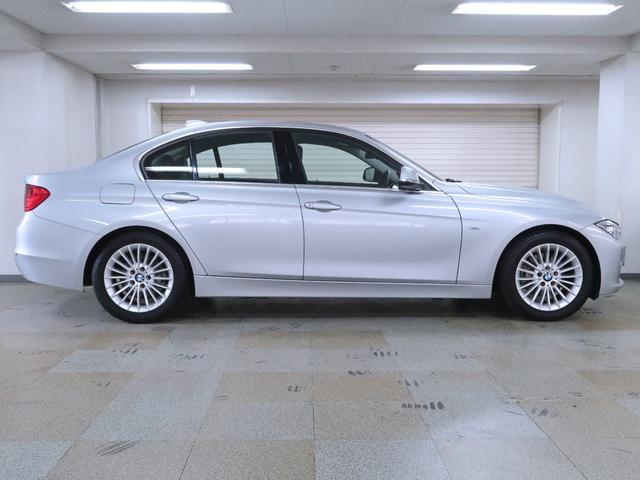 320d ラグジュアリー BMW認定中古車 1年保証 ストレージパッケージ 黒革 17インチAW(5枚目)