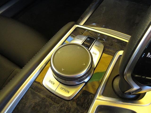BMW BMW 750i 1オーナ リアコンフォートP ナイトビジョン