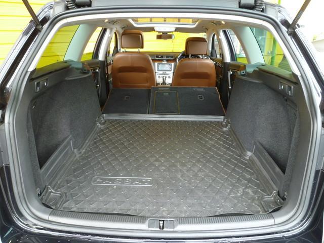 フォルクスワーゲン VW パサートヴァリアント TSIハイライン BMT パノラマサンルーフ 茶レザーシート