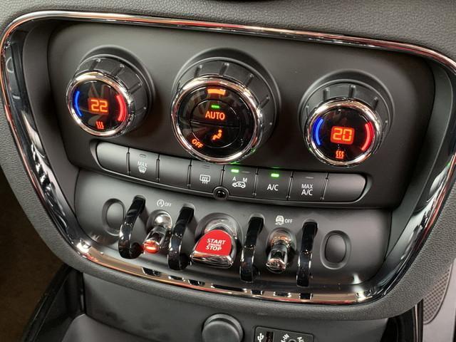 クーパー クラブマン 純正ナビ バックカメラ LEDヘッドライト LEDフォグランプ 純正17インチアルミ アイドリングストップ バックソナー プッシュスタート シートカバー ETC(15枚目)