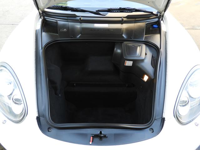 左ハンドル ポルシェ正規ディーラー車
