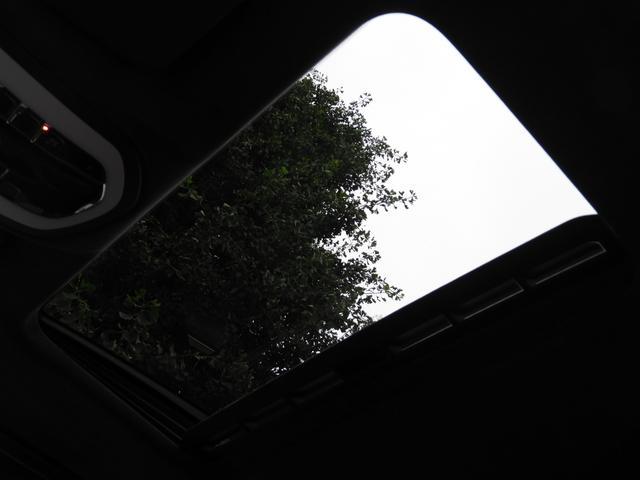 純正SDナビ・CD(ミュージックサーバー)・DVD・地デジ・バックカメラ・ETC付!! 安心の正規ディーラー車958型Turbo希少車をお探しの方は是非お急ぎ下さい!!