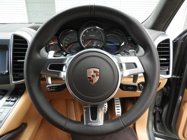 安心の正規ディーラー車、希少な右ハンドル958型Turboをお探しの方は是非お急ぎ下さい!!