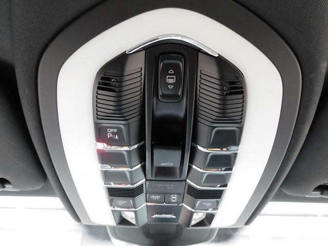 「ポルシェ」「カイエン」「SUV・クロカン」「東京都」の中古車31