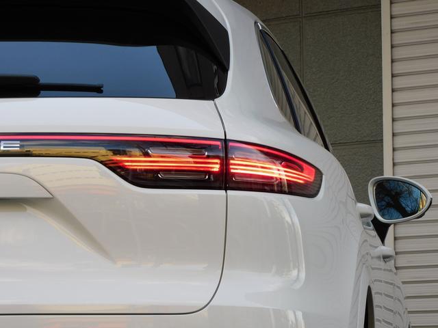 現行型 V6ツインターボ 正規D車 スポーツクロノPKG ベージュ革 シートヒーター PCMナビ(12.3インチ) サラウンドビュー&PAS ACC&LCA&LKA LEDヘッドライト エントリーD 純正21AW 禁煙 1オーナー 新車保証継承可(5枚目)