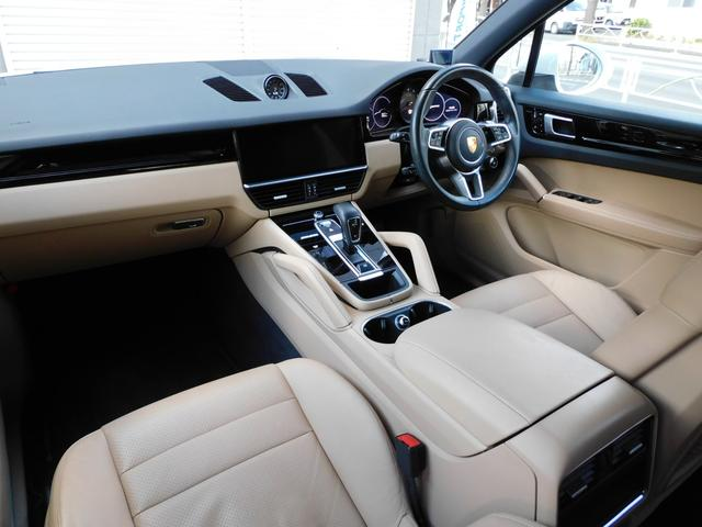 現行型 V6ツインターボ 正規D車 スポーツクロノPKG ベージュ革 シートヒーター PCMナビ(12.3インチ) サラウンドビュー&PAS ACC&LCA&LKA LEDヘッドライト エントリーD 純正21AW 禁煙 1オーナー 新車保証継承可(7枚目)