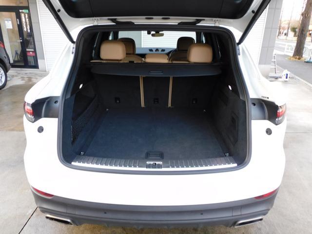 現行型 V6ツインターボ 正規D車 スポーツクロノPKG ベージュ革 シートヒーター PCMナビ(12.3インチ) サラウンドビュー&PAS ACC&LCA&LKA LEDヘッドライト エントリーD 純正21AW 禁煙 1オーナー 新車保証継承可(19枚目)
