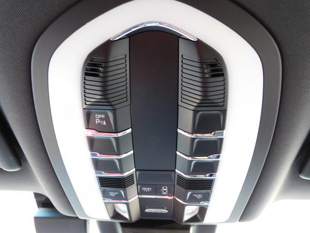 GTS スポーツクロノPKG 黒・赤ツートンインテリア シートヒーター PCMナビ PAS&サラウンドビューカメラ ACC&LCA LDW スポエグ PASM LEDヘッドライト エントリーD 純正20AW スポーツデザインミラー 禁煙 1オーナー(35枚目)