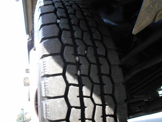タイヤはチューブレスのタイプです。