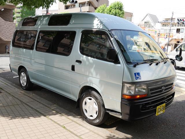 トヨタ ハイエースコミューター 車いす2基10人乗自家兼施設用バックカメラナビ付電動リフト