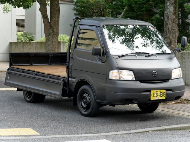 850kg積載ウッドデッキ荷掛けフック付平ボディ5速MT車(12枚目)