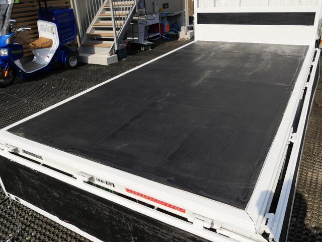 超低床2t10尺ディーゼルターボ平ボディ準中型免許5速MT車(6枚目)
