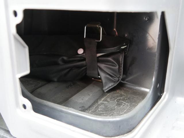 当店代車 Wエアコン付5人乗低床 オートマ車 当館代車使用中(33枚目)