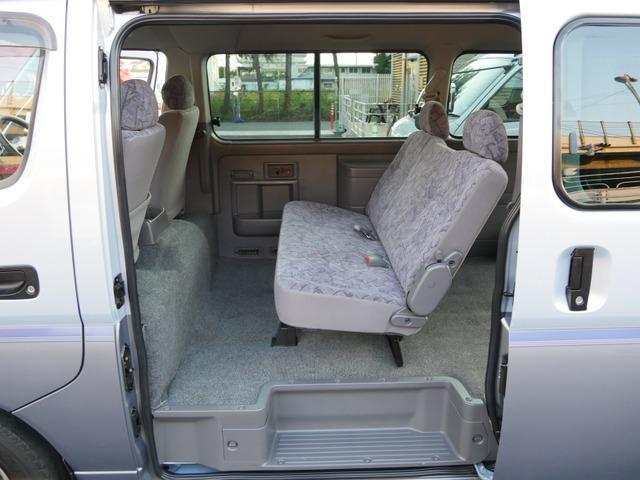 スーパーロングハイルーフ5人乗低床Wエアコン付トランポAT車(10枚目)