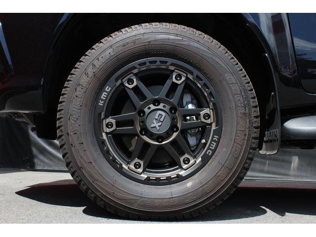 X 4WD ディーゼル KMC XD840 17インチアルミ(12枚目)
