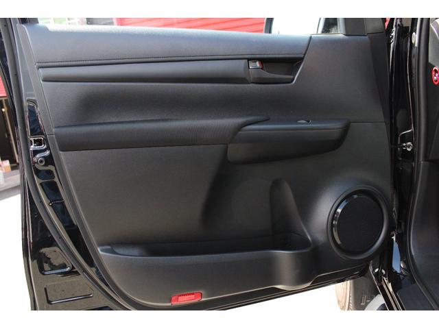 X 4WD ディーゼル KMC XD840 17インチアルミ(17枚目)
