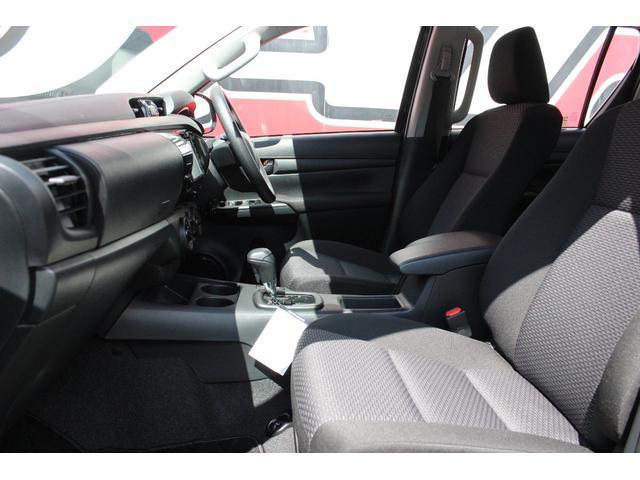 X 4WD ディーゼル KMC XD840 17インチアルミ(18枚目)