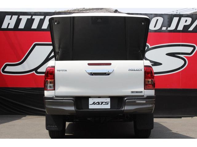 X 4WD ディーゼル ブラッドレー17AW トノカバー(11枚目)