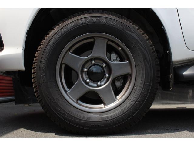 X 4WD ディーゼル ブラッドレー17AW トノカバー(12枚目)