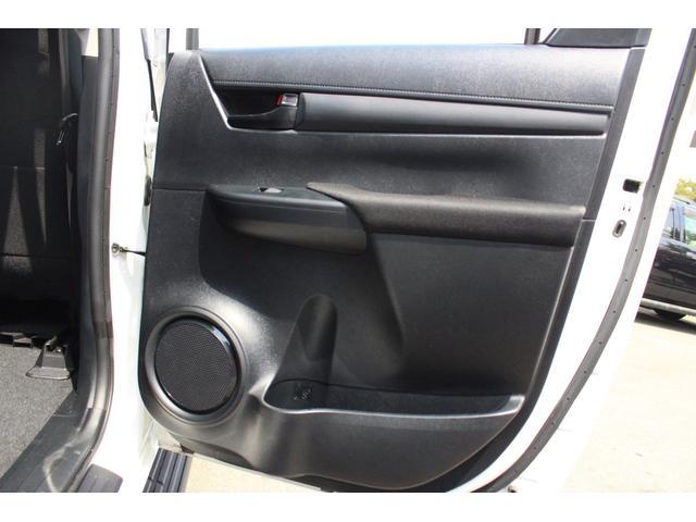X 4WD ディーゼル ブラッドレー17AW トノカバー(16枚目)