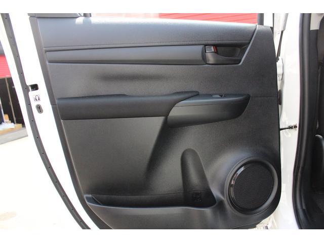 X 4WD ディーゼル ブラッドレー17AW トノカバー(19枚目)