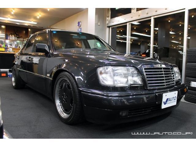 500E 整備記録簿付 黒革内装 AMG仕様 新車並行(6枚目)