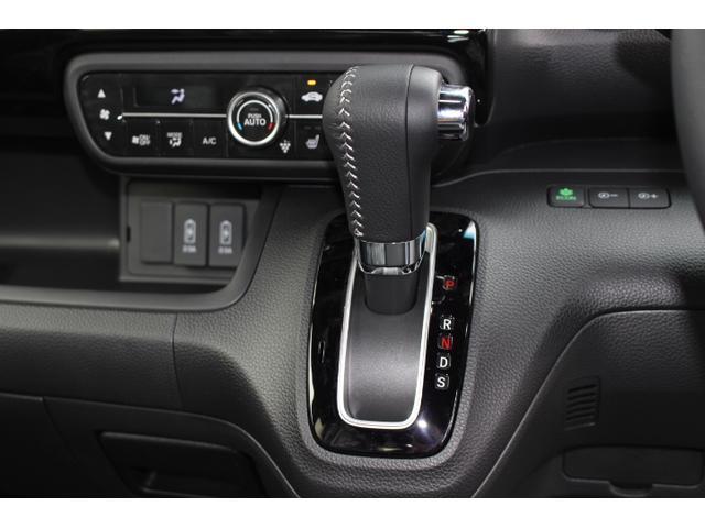 Lターボ テイン車高調・リザルタード17AW・両側自動ドア・LEDヘッドライト・無限フロントスポイラー・前後マッドガード(13枚目)