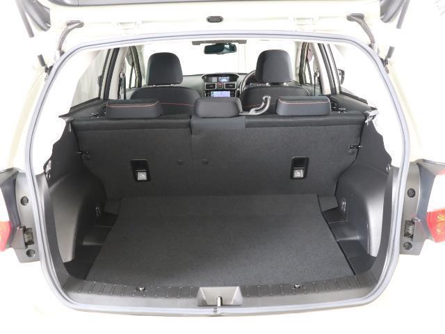 2.0i-L アイサイト 地デジTV レーダクルコン キーフリー HIDライト ナビTV ETC付き 4WD AW アイドリングストップ DVD CD 横滑り防止装置 盗難防止システム スマートキ- バックモニタ プリクラ(17枚目)
