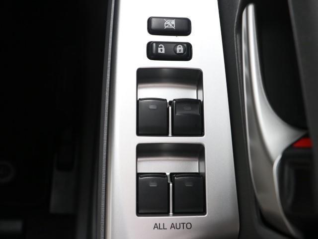 S メモリ-ナビ キーフリー CDチューナー ナビTV アルミ ETC 記録簿 イモビライザー ABS 横滑り防止装置 AUX 運転席エアバッグ スマキ パワステ パワーウインドウ フルセグ地デジ AAC(13枚目)