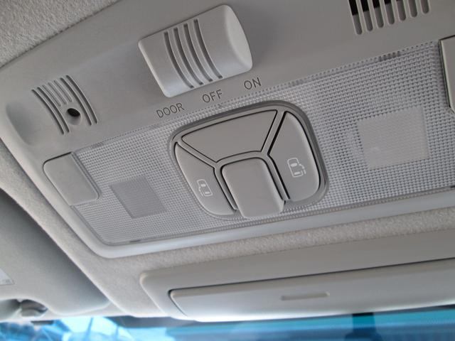 トヨタ エスティマ アエラス4WD SDナビ 後席モニター バックモニター