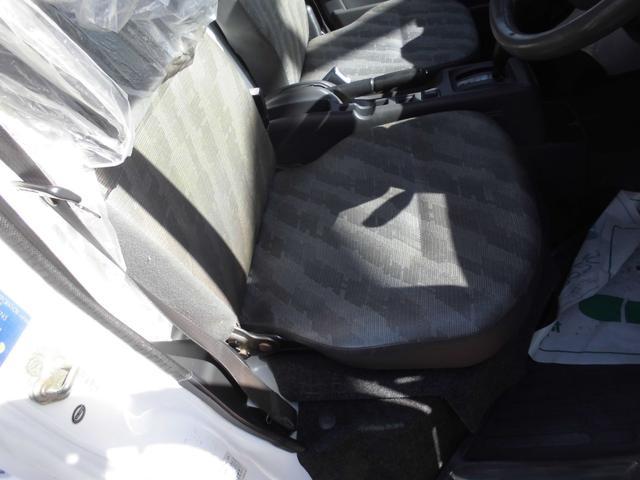 KCエアコン・パワステ ボタン切り替え4WD オートマ エアコン パワステ 運転席・助手席エアバッグ 荷台マット ゲートアッパーガード 車検令和4年8月29日迄(27枚目)