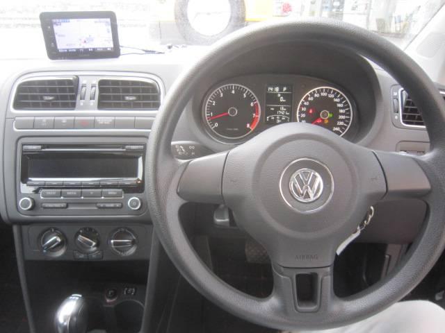 フォルクスワーゲン VW ポロ TSIコンフォートライン サンルーフ SDナビ