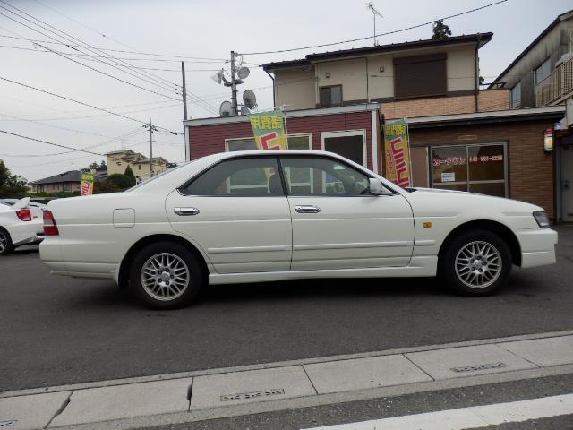「日産」「ローレル」「セダン」「埼玉県」の中古車4
