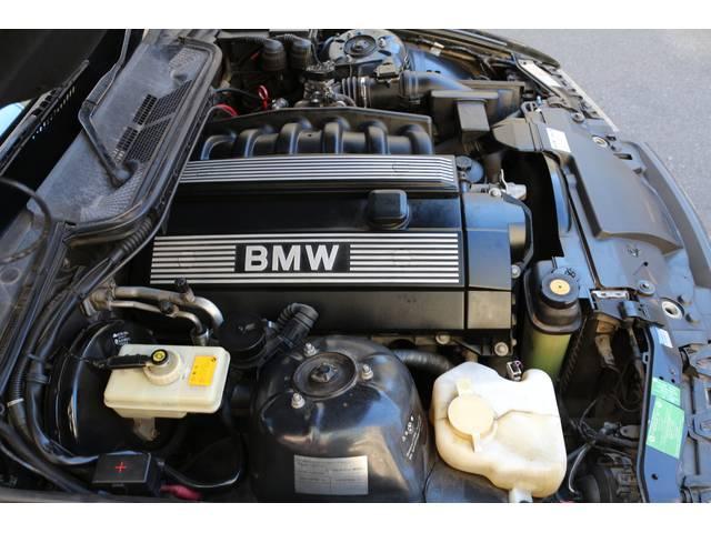 BMW BMW 328iクーペ