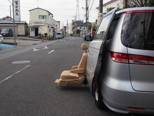 MX 福祉車両 全自動サイドリフトアップシート 7人乗り(3枚目)