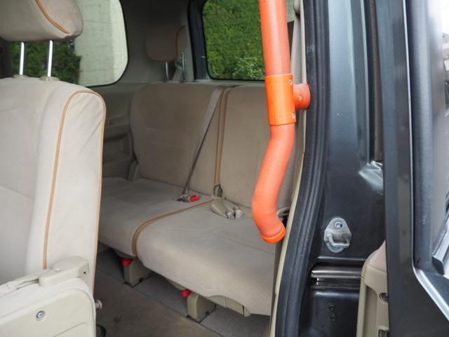 日産 セレナ 福祉車両 助手席サイドアップシート オートステップ 8人乗り