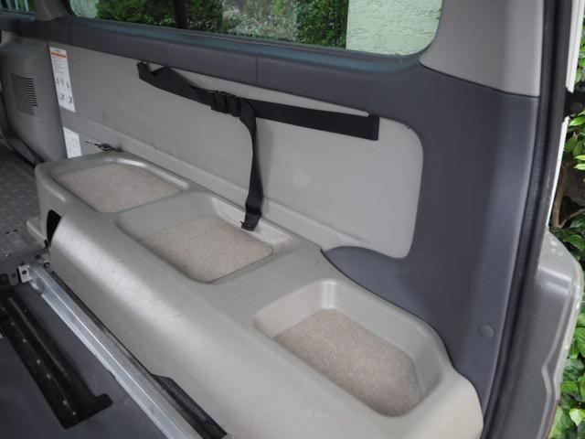チェアキャブ 福祉車両 車椅子2名+8名乗 リヤー電動リフト(12枚目)