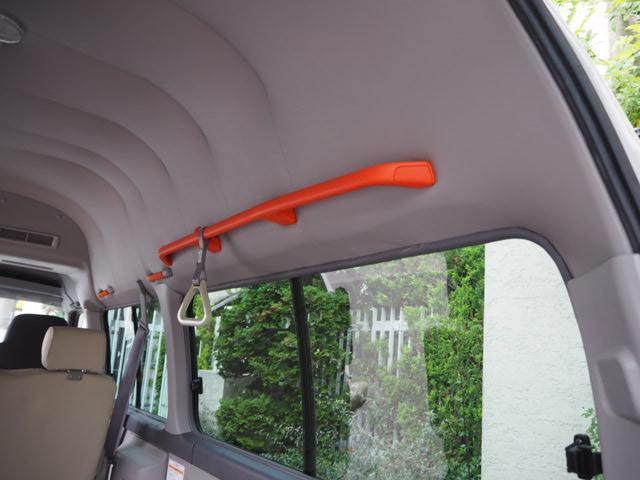 チェアキャブ 福祉車両 車椅子2名+8名乗 リヤー電動リフト(13枚目)