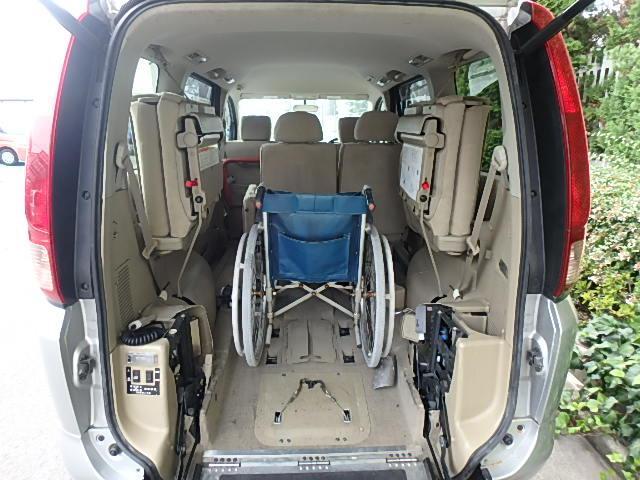 日産 セレナ 福祉車両 リヤー電動スロープ オートステップ 8人乗り