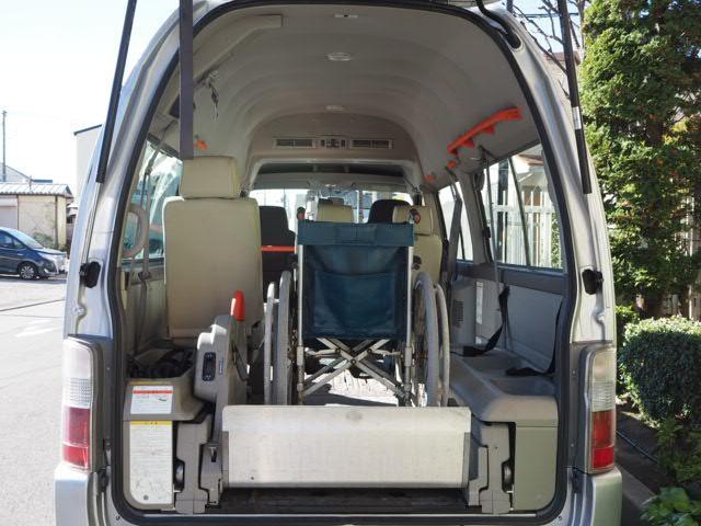 福祉車両 リヤーリフト 車椅子2名他8名 オートステップ付き(16枚目)