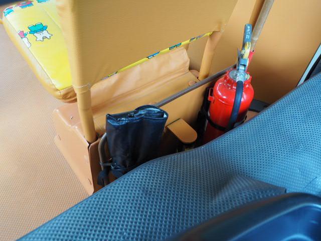 幼児バス 園児バス スクールバス 普通免許 大人2人幼児12人乗り オートステップ 非常口(9枚目)