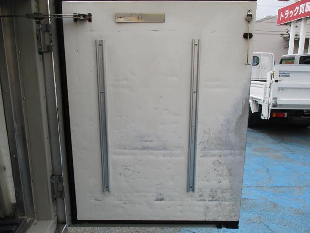 0.85tスーパーローダブル中温冷凍車(19枚目)