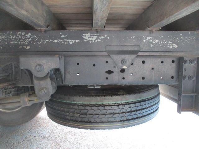 ロング高床 4.9D 標準 ロング 高床 2.6t吊り3段クレーン フックイン 木製荷台 床板張り ロープ穴4対(39枚目)