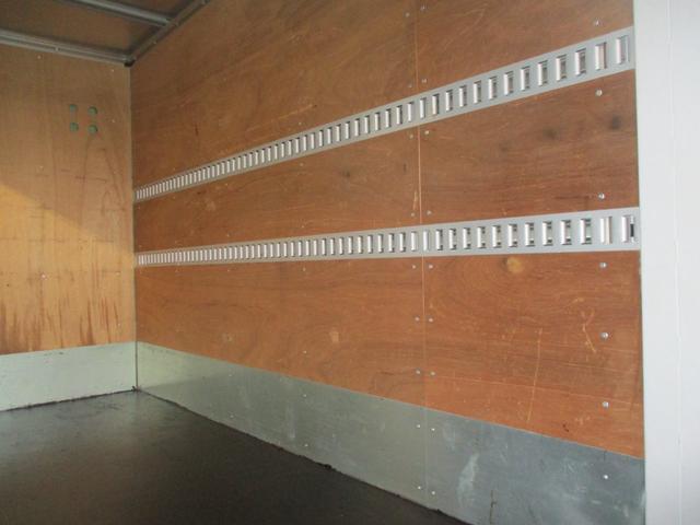 2.0tFFL アルミV垂直ゲート600kg 10尺 左スライド リヤ観音扉 ラッシング2段 社外地デジ1セグTV ナビ ETC カラーBモニター(62枚目)