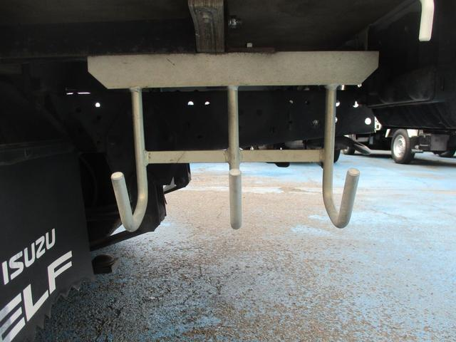 フルフラットロー 2.0tフルフラットロー STグレード 木製荷台 10尺ボディー 社外ナビ ETC(22枚目)
