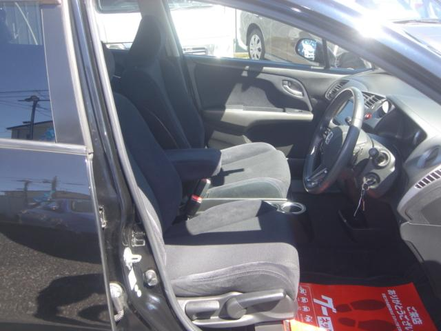 RSZ特別仕様車 HDDナビエディション HDDナビ・Rカメラ・HID・ETC・純正AW・無限グリル・無限バイザー・ステアリングスイッチ・革巻きステアリング・パドルシフト・ミュージックサーバー・記録簿・ワンオーナー車(14枚目)