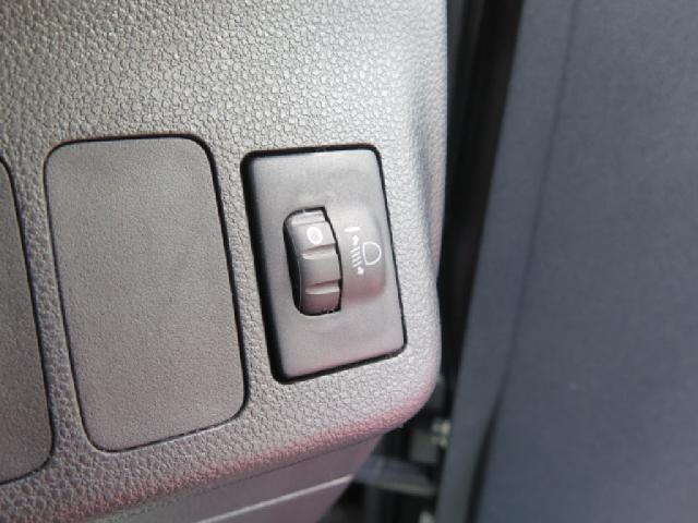 ライトの光軸が変えられるレべライザー付き対向車に迷惑がかからないように、と言う使い方も可能です。