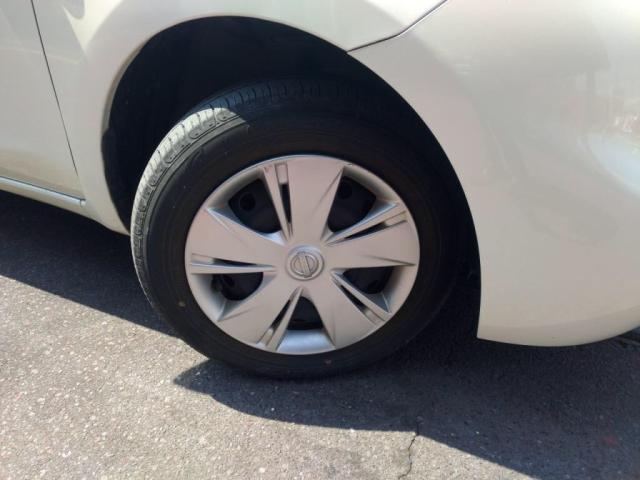 タイヤコンディションご確認下さい!!!!クラリオンNXL13メモリーナビ装着車!キーレス・ETC・ドライブレコーダー・ナビ取説・車両取説ございます!